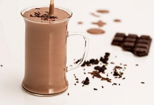 Jesienny czekoladowy koktajl jaglany