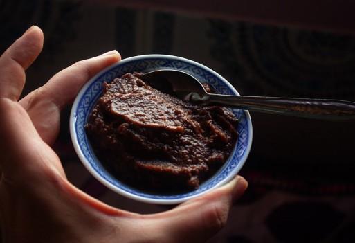 Zdrowa wegańska nutella z daktyli