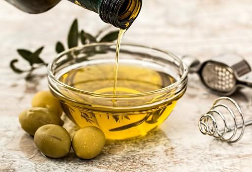 Aromatyzowane, smakowe oleje domowej roboty